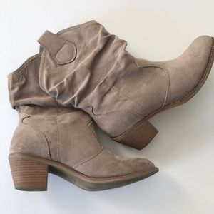 Beige tan cowboy boots for girls